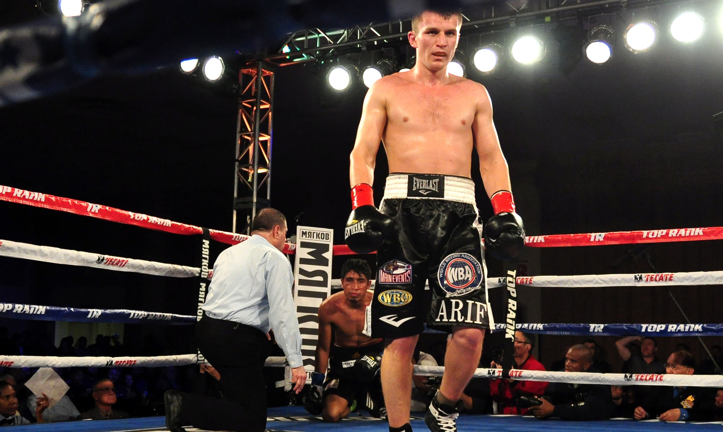 Middleweights Take Center Stage