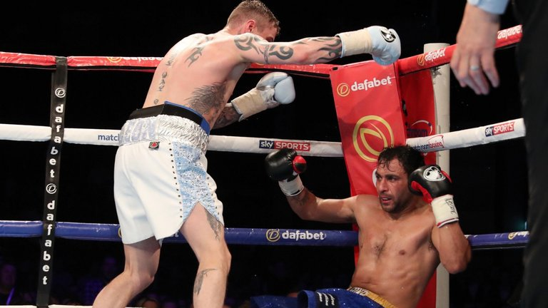 Ricky Burns KO's Michele Di Rocco