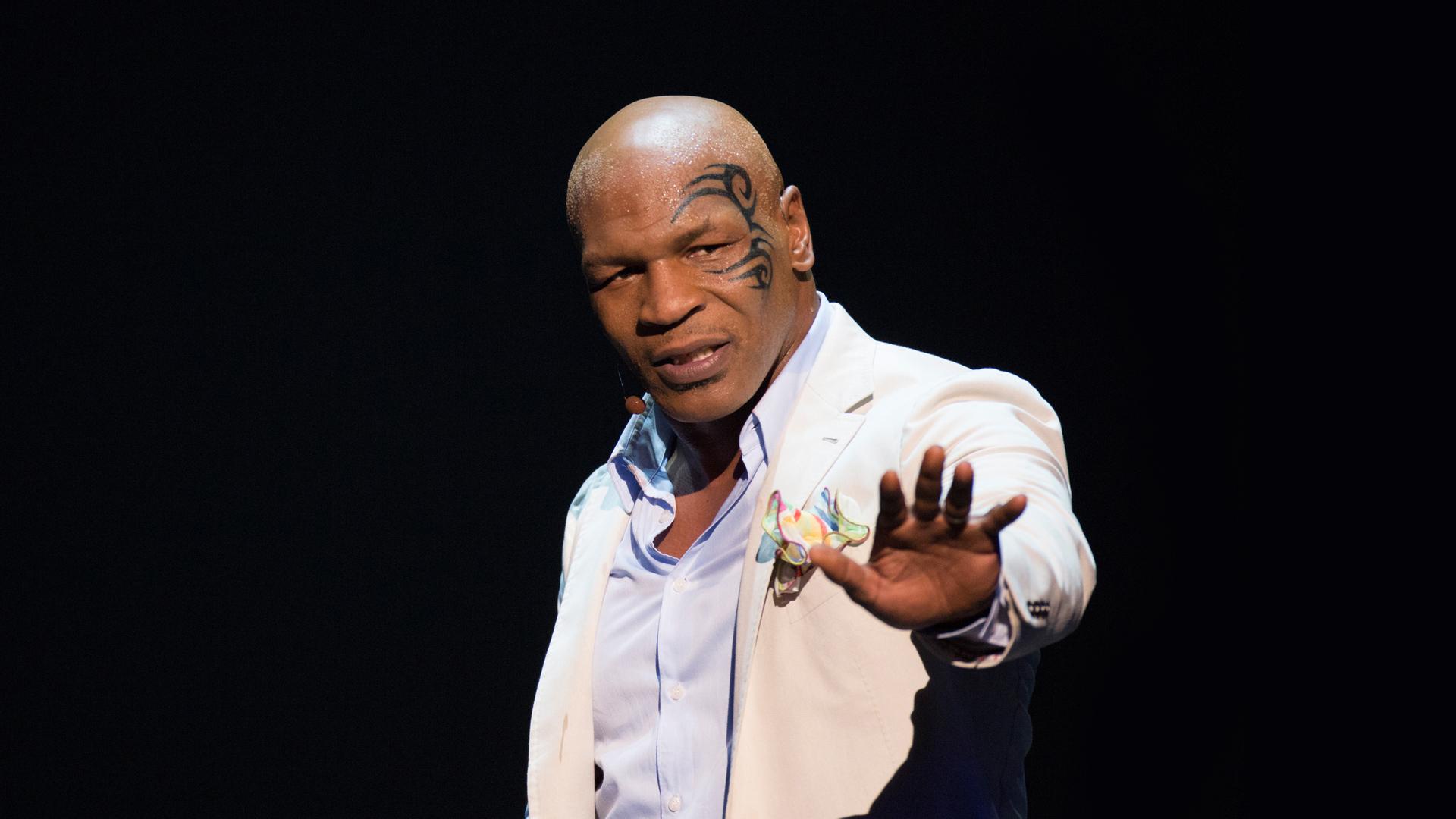 Mike Tyson annihilated Trevor Berbick
