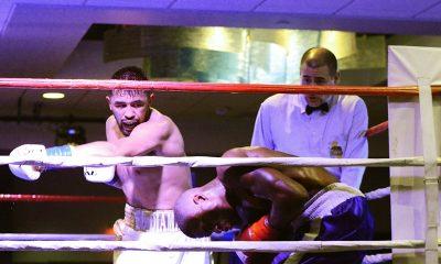 Jonathan Esquivel has Teague against the ropes