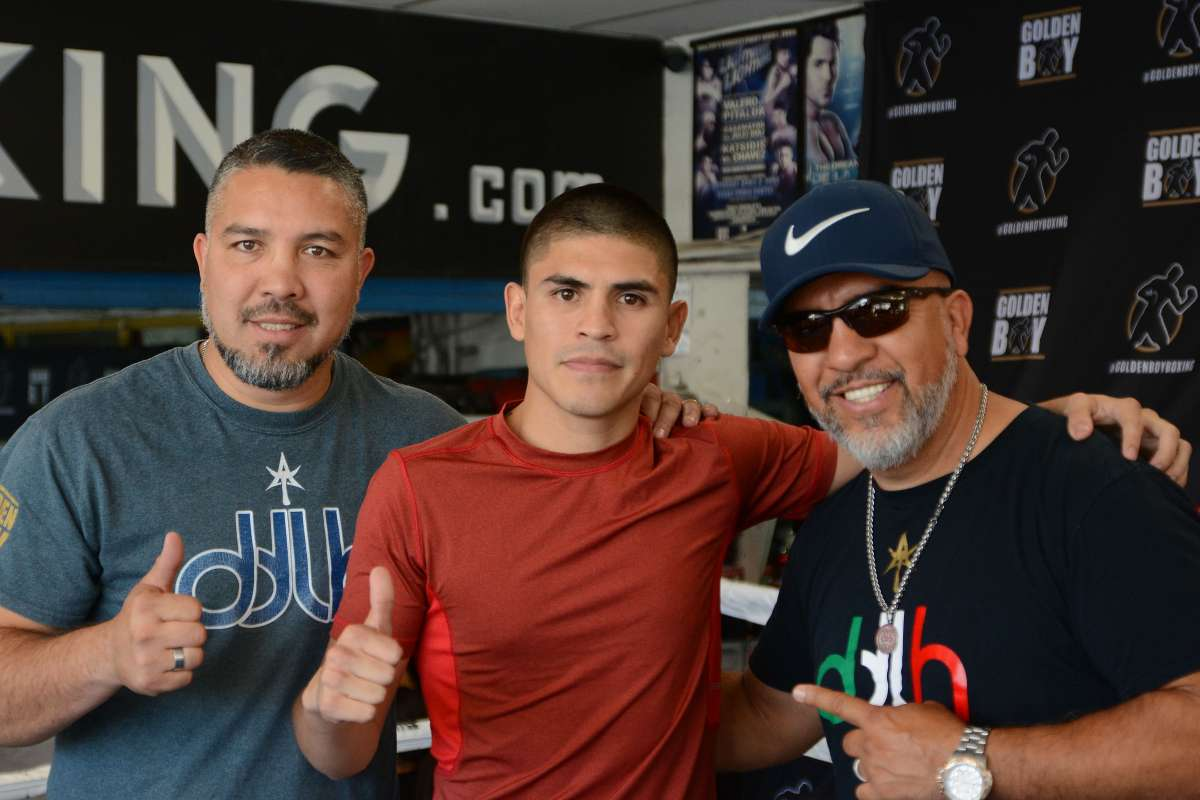 Showdown-Saturday-in-Southern-Cal-De La Hoya-Rios-and-More
