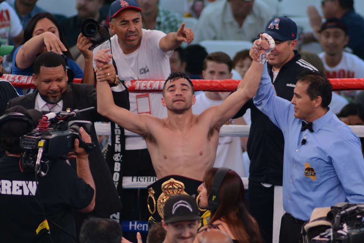 Ronny-Rios-Shocks-Diego-De La Hoya-in-LA-Fight-Card
