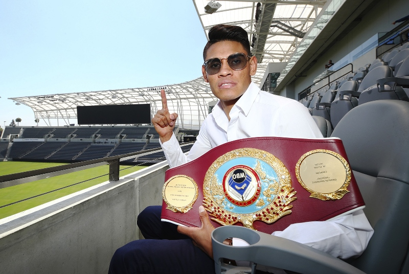 WBO-title-holder-Emanuel-Navarrete-Defends-at-Banc-of-California-Stadium