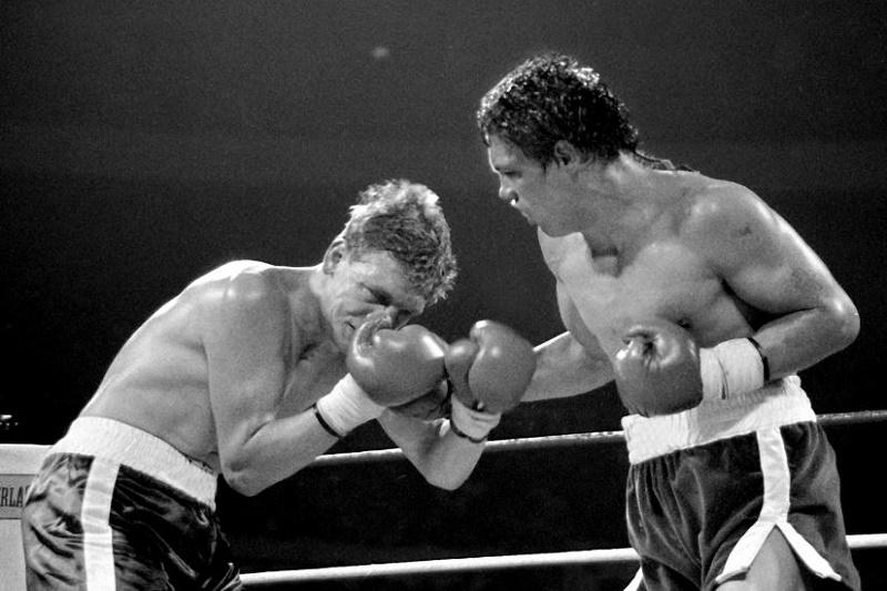 Boxing-Resto-vs-Collins