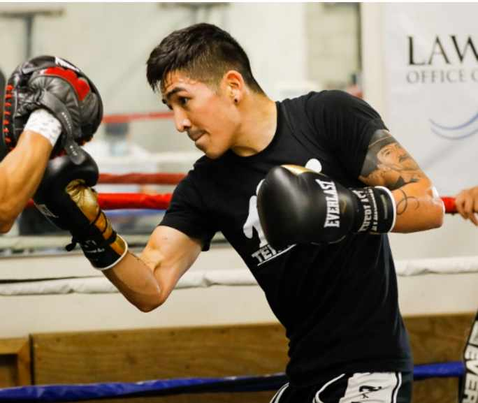 Will-Leo-Santa-Cruz's-High-Volume-Punching-Stymie-Big-Hitter-Tank-Davis?