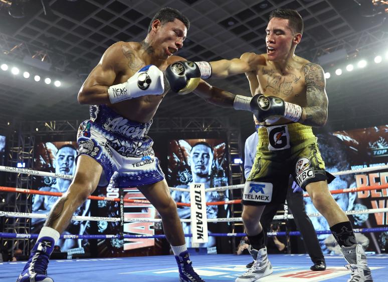 Oscar-Valdez-KOs-Miguel-Berchelt-in-a-Torrid-Mexican-Battle