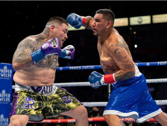 Andy-Ruiz-Overcomes-a-Scare-to-Turn-Away-Chris-Arreola